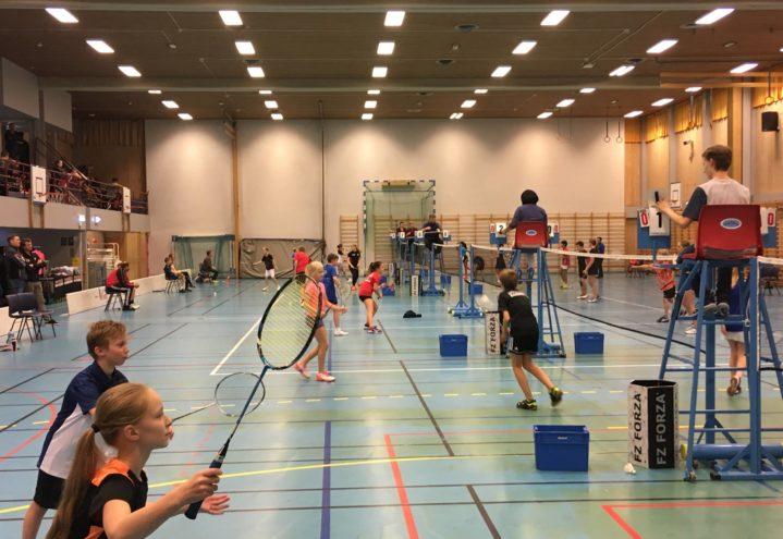 Tettpakket hall og masse fin badminton under Haugerud ranking U13-U19X